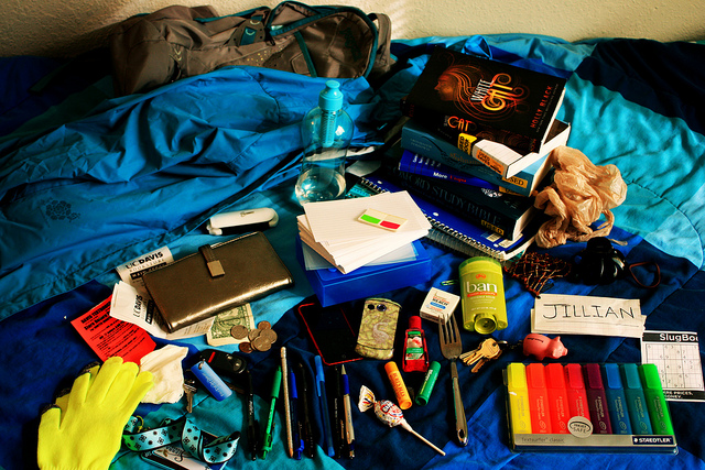 Student packing image